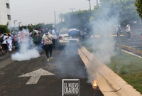 Policía Nacional lanza bombas aturdidoras contra manifestantes en Managua