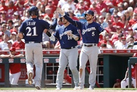 Sin Yelich, imparables