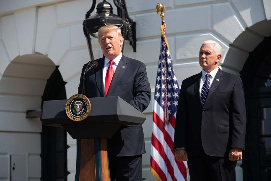 Donald Trump, presidente de Estados Unidos (i), y Mike Pence, vicepresidente de Estados Unidos (d). Foto: AFP/END