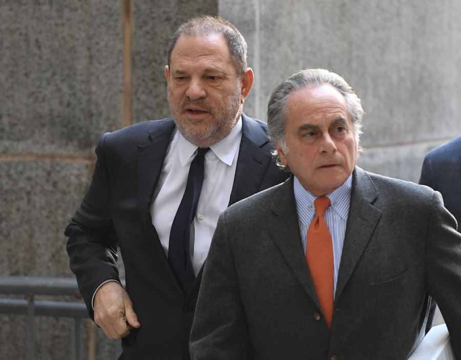 Harvey Weinstein, productor de Hollywood  (i) y Benjamin Brafman, abogado (d). AFP/END