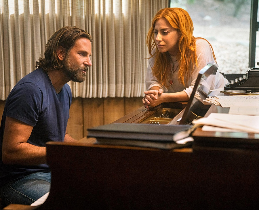 "Bradley Cooper y Lady Gaga en una escena de la película ""A Star Is Born"". Archivo/END"