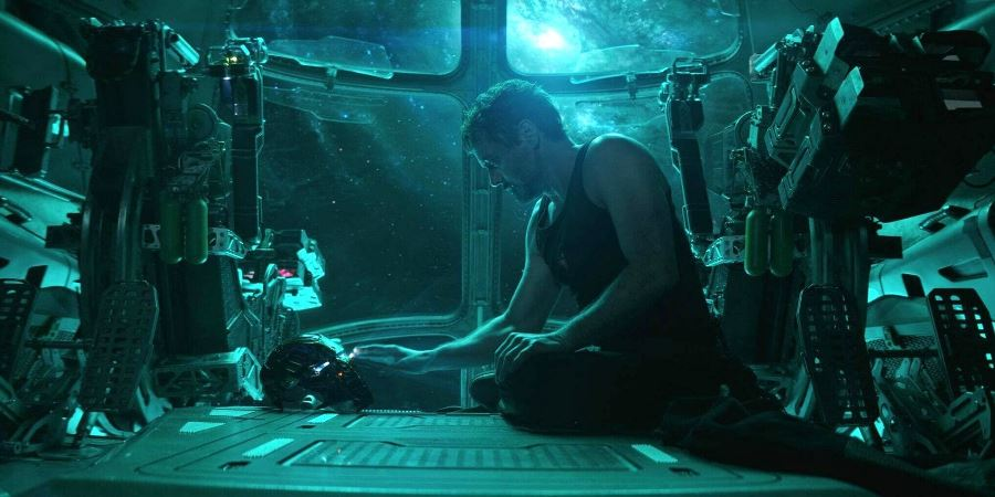 "El actor Robert Downey Jr. en el doble papel de Tony Stark/Iron Man, durante una escena de ""Avengers: Endgame"". EFE/END"