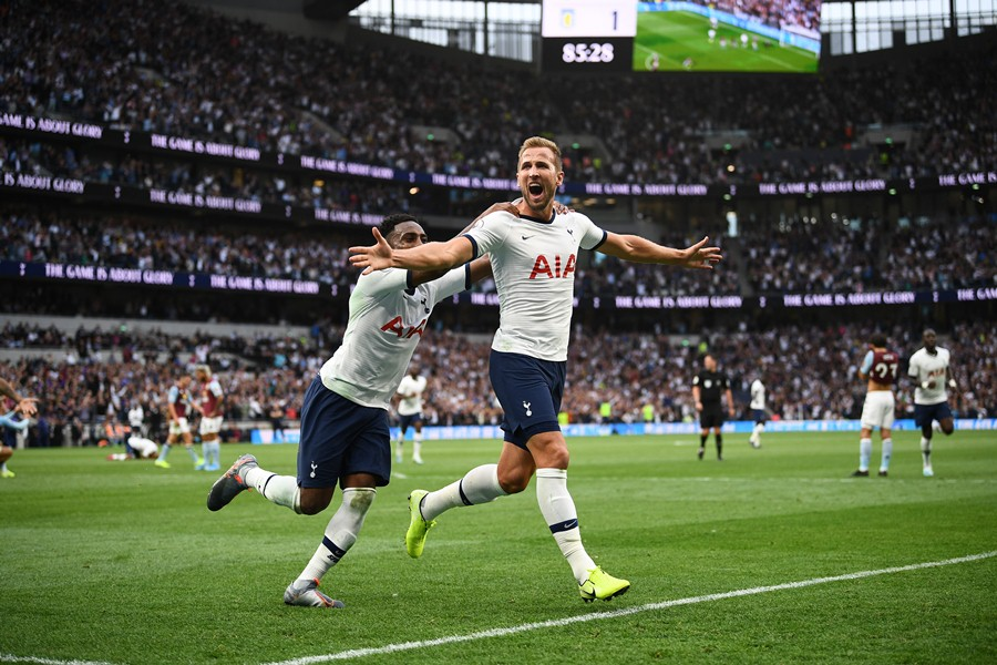 Harry Kane anotó dos goles en el tramo final del partido. Foto: AFP/END