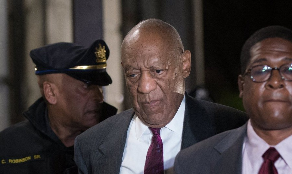 Bill Cosby, encontrado culpable hoy por agresión sexual.