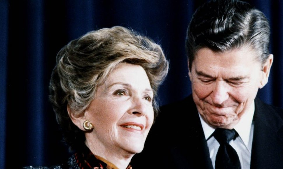 Ronald y Nancy Reagan
