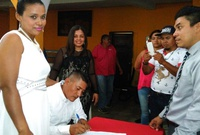 Chinandega: 50 parejas contraen matrimonio civil