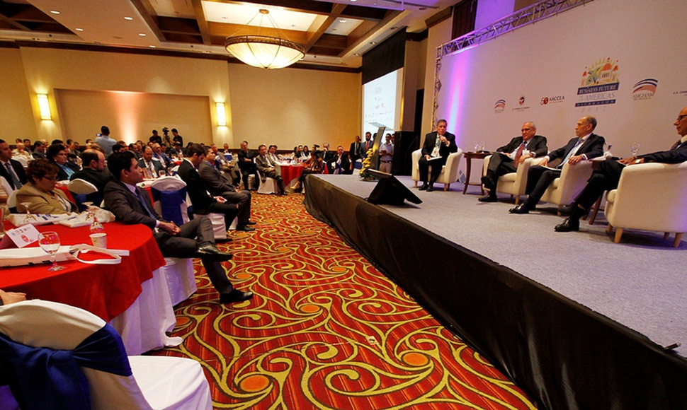 "Empresarios nicaragüenses y latinoamericanos en el foro ""Business Future of The Americas 2017""."