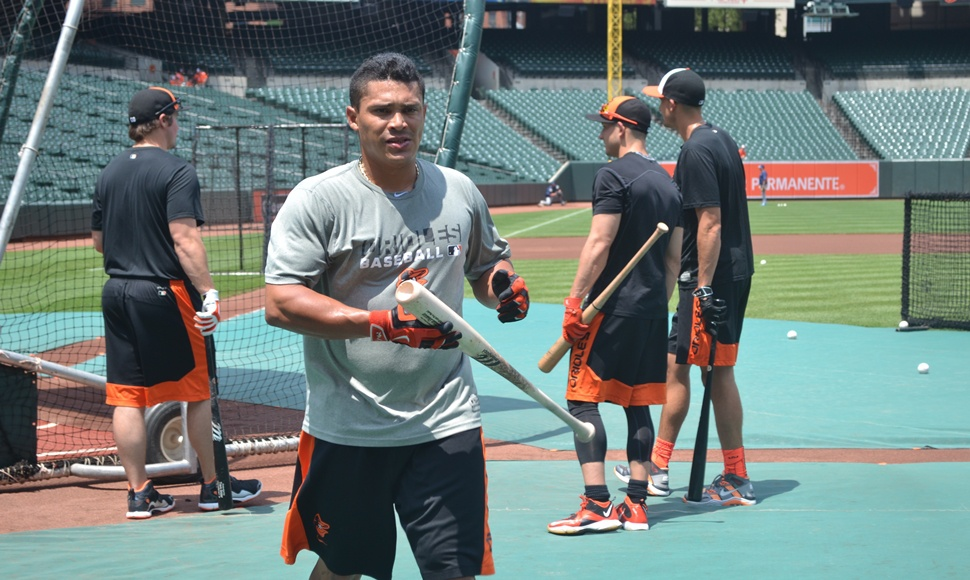 Everth Cabrera regresa a los terrenos.