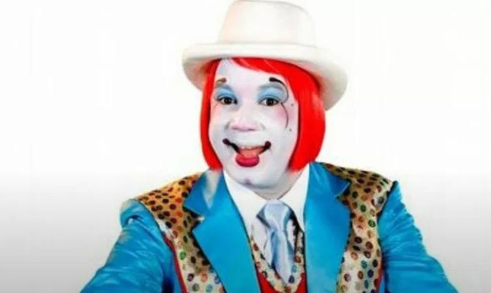 payaso Kanqui acusado de abuso sexual.